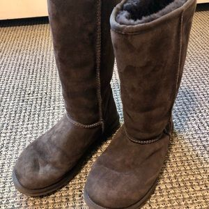 Chocolate brown Classic UGG boot